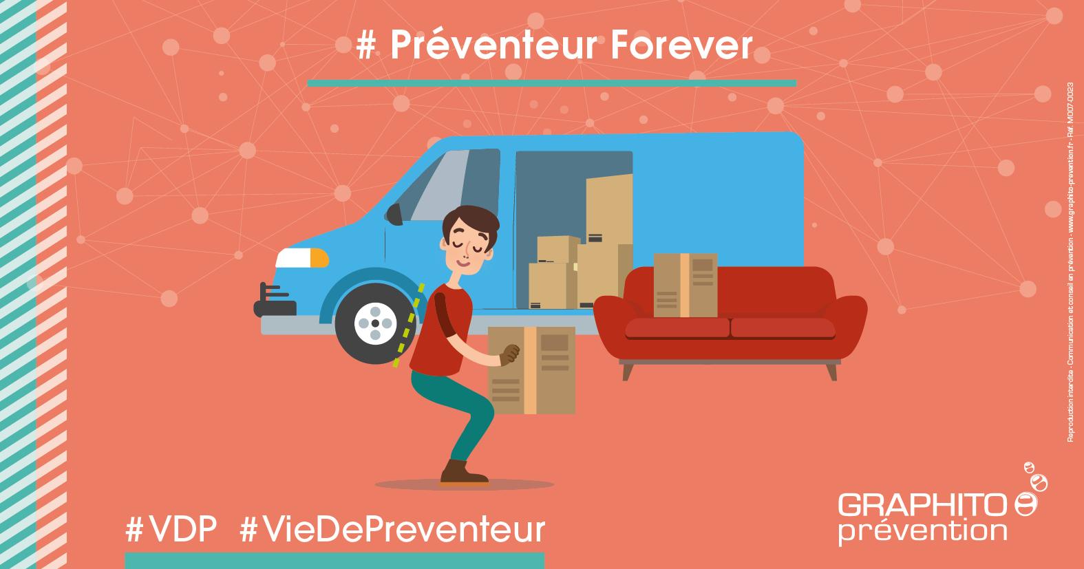 notre préventeur déménage ! L'occasion de bien respecter les régles de manutention avec le dos bien droit lorsqu'il soulève un carton.